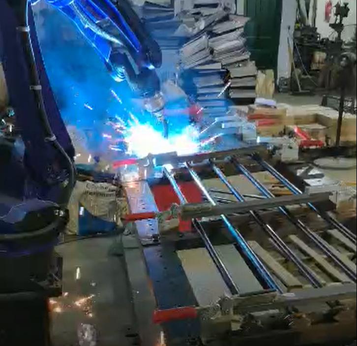 Truck door pull rod Mag welding robot